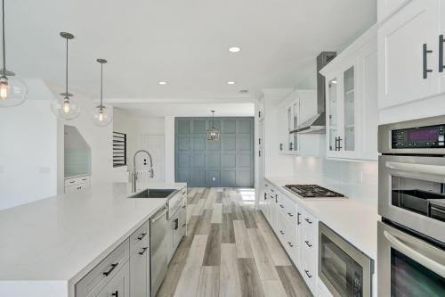 Main Street Kitchen & Flooring - Remodelling